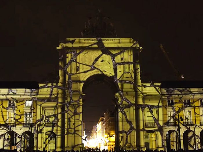 Video-Mapping-(Palácio-do-Nicolau,-Lisbon)---Web-Edit.mp4_snapshot_03.32_[2017.03.07_17.32
